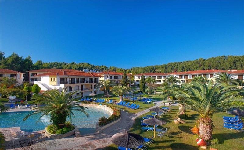 Ранни Записвания Гърция, 5 Дни за Двама Полупансион в Chrousso Village Hotel