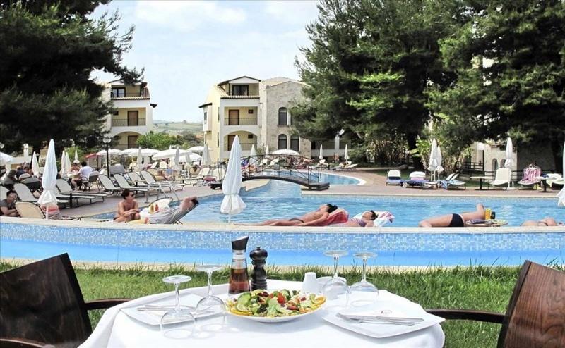 Ранни Записвания Гърция, 5 Дни за Двама със Закуска в Lesse Hotel