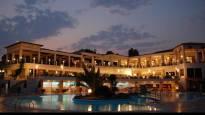 Почивка на брега на Егейско море! Нощувка със закуска и вечеря в петзвездния Александрос Палас, Халкидики!